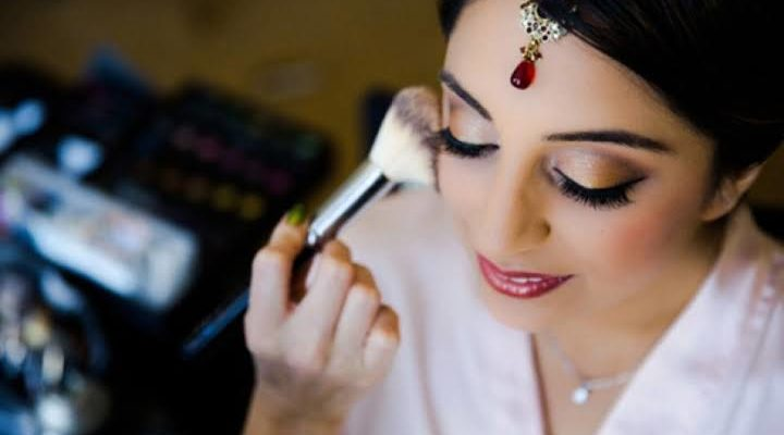 Tips to Find the Best Make Up Artist for Your Wedding